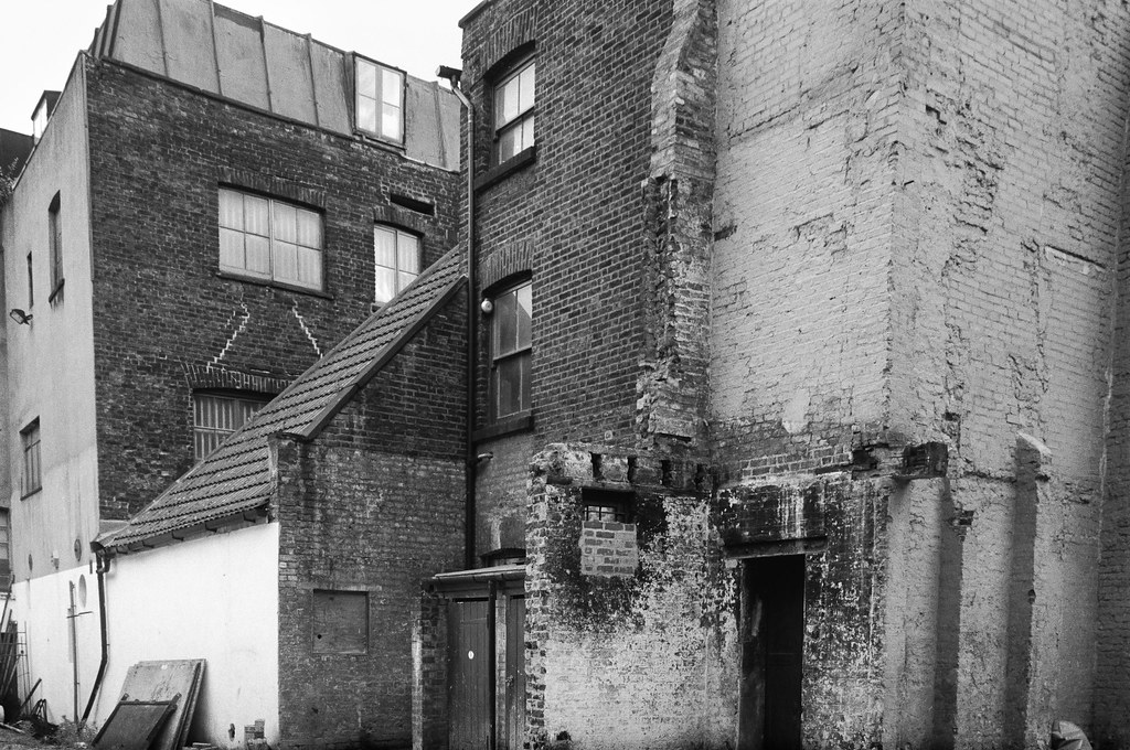 Norton Folgate, City, Tower Hamlets, 1990, 90-6a-35