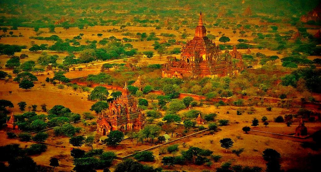 MYANMAR, Burma - Ballonfahrt  früh morgens über das historische Bagan, 78337/13711