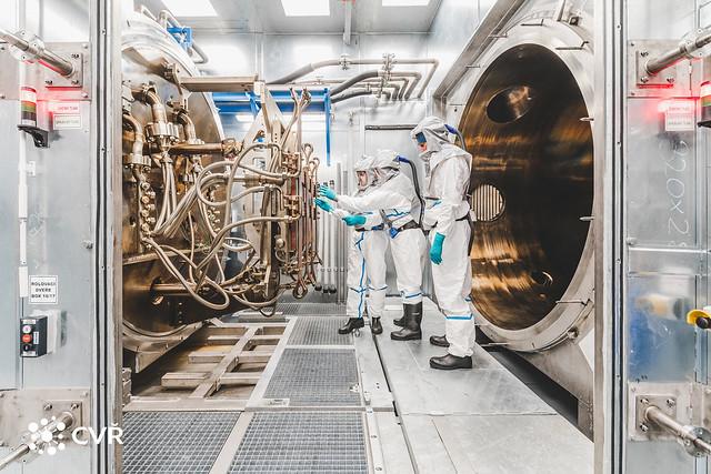 Positioning shielding frames on test sample, HELZCA Facility © CVŘ