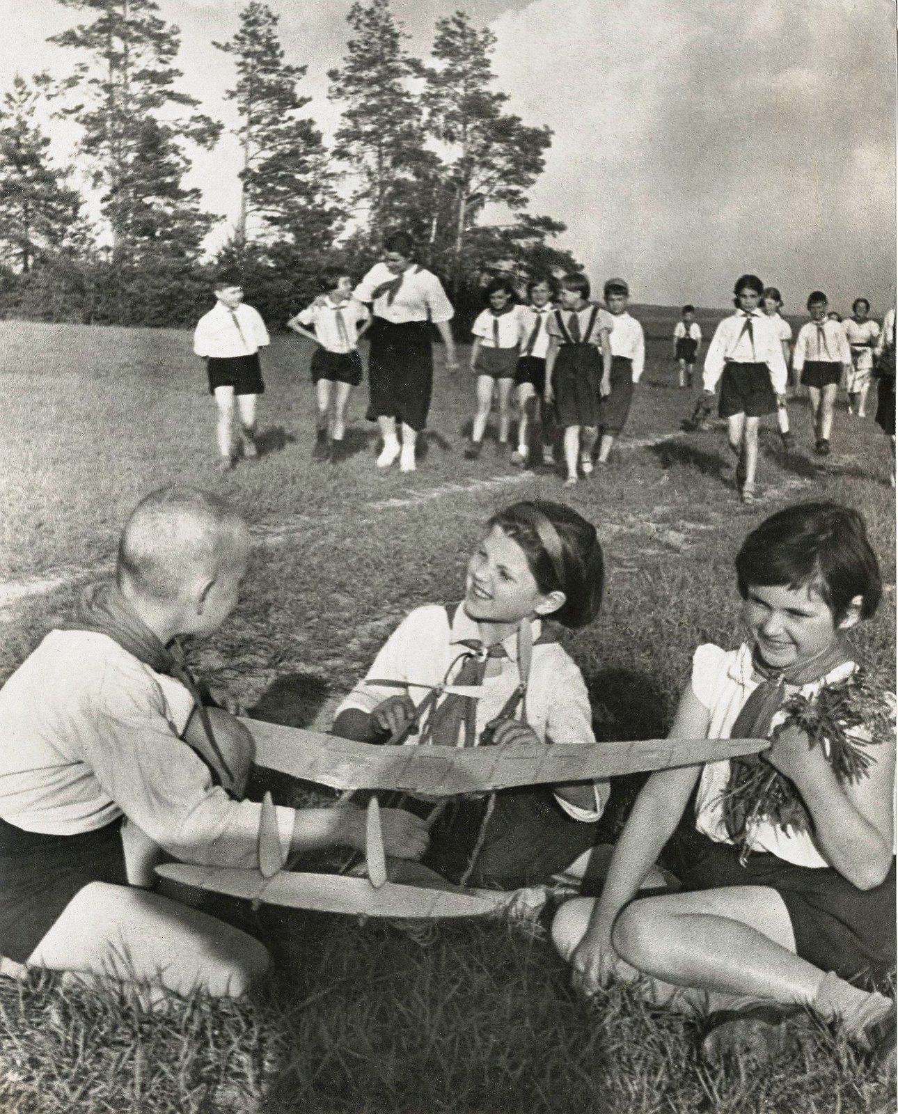 1937. Авиамоделисты
