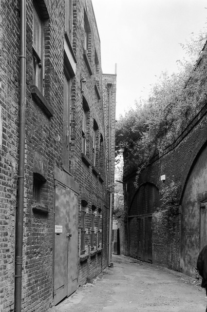 Norton Folgate, City, Tower Hamlets, 1990, 90-6a-36