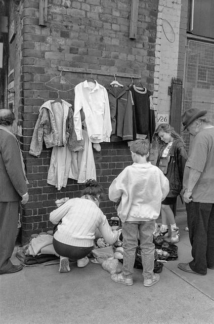 Brick Lane Market, Shoreditch, Tower Hamlets, 1990, 90-64-34