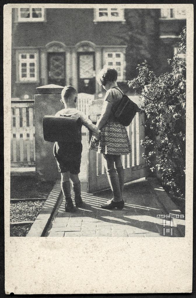 ArchivTappen233A931 Schulbeginn, Deutschland, 1930er