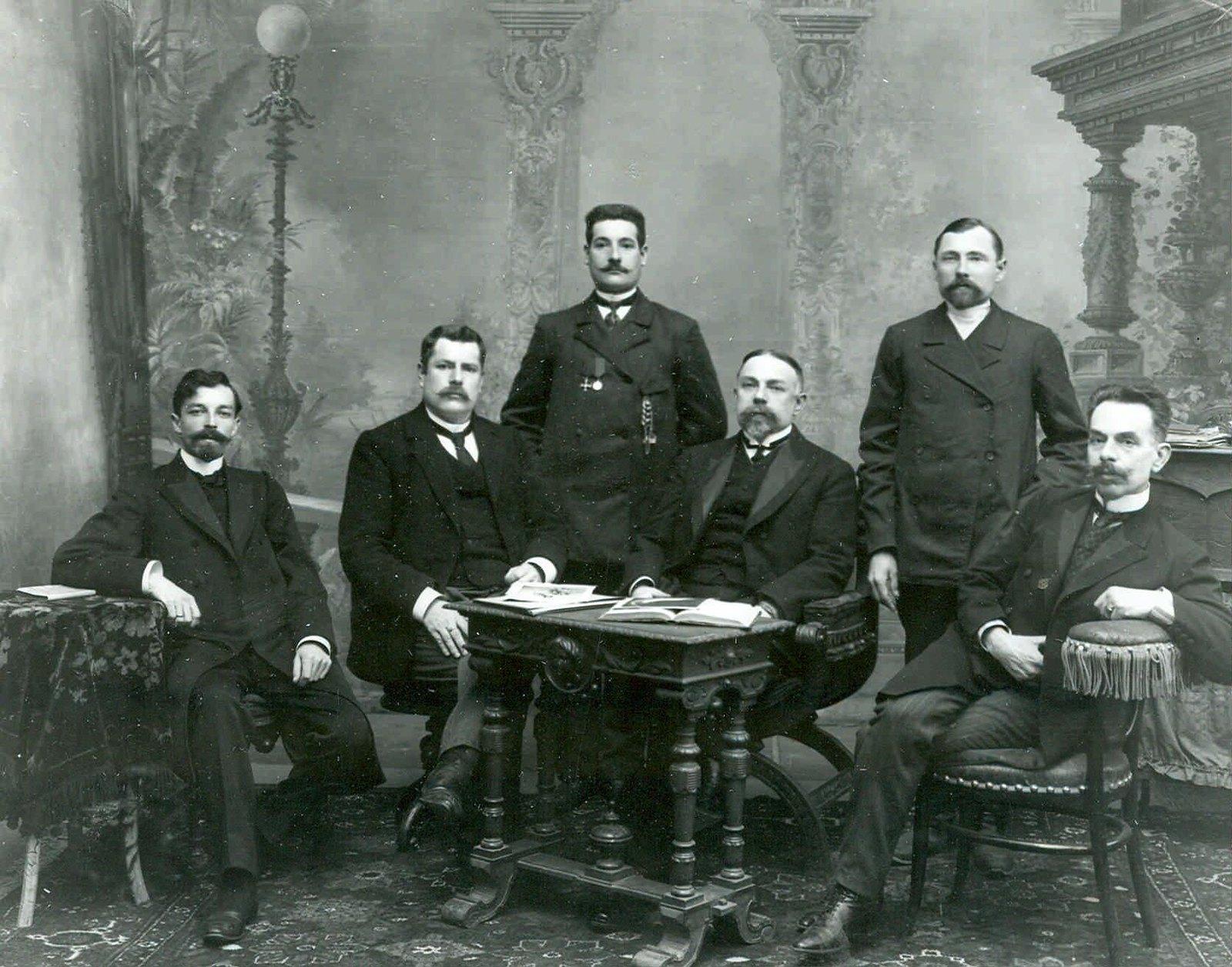 1907.  Группа депутатов Второй Государственной Думы, избранных от Витебской губернии