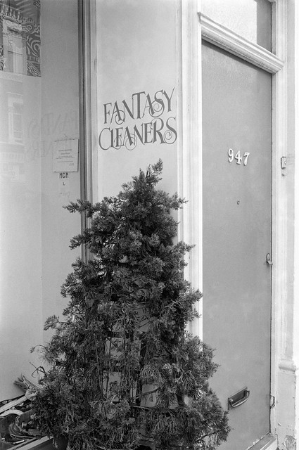 Fantasy Cleaners, 947, Fulham Rd, Fulham, Hammersmith & Fulham, 1990, 90-6j-65