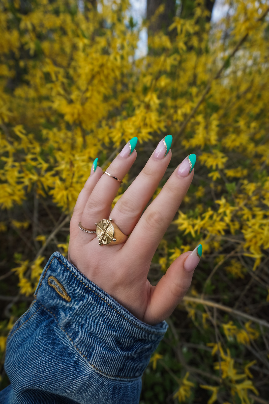 Manicure of the Month: Green Summer Nails | Green Manicure | Colored French Manicure | Acrylic Nails | Almond Nails | Cute Summer Nails | Fun Summer Nails | Spring Nail Ideas