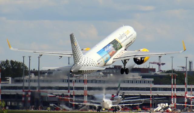 Vueling Airlines, EC-NIX, MSN 10024, Airbus A320-271N, 24.05.2021, HAM-EDDH, Hamburg