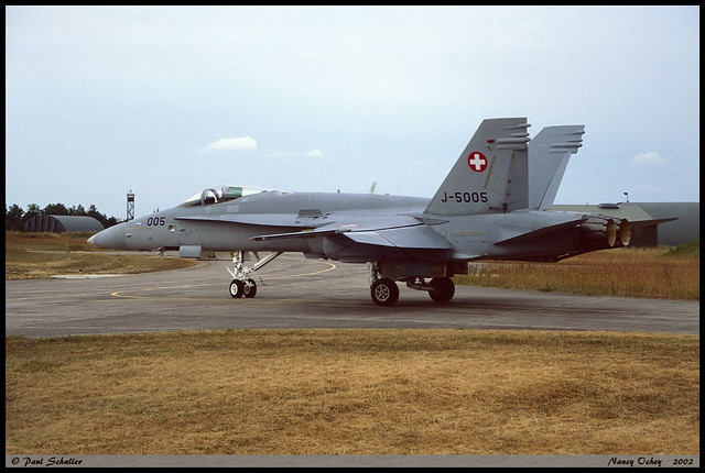 F18 C J-5005 Nancy Ochey juin 2002