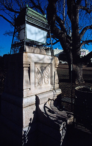 Lamp on US Capitol Grounds (1)