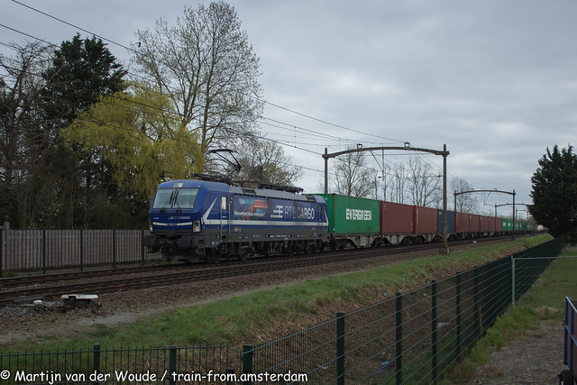 20210402_NL_Hulten_RTB Cargo 193 792 with containertrain