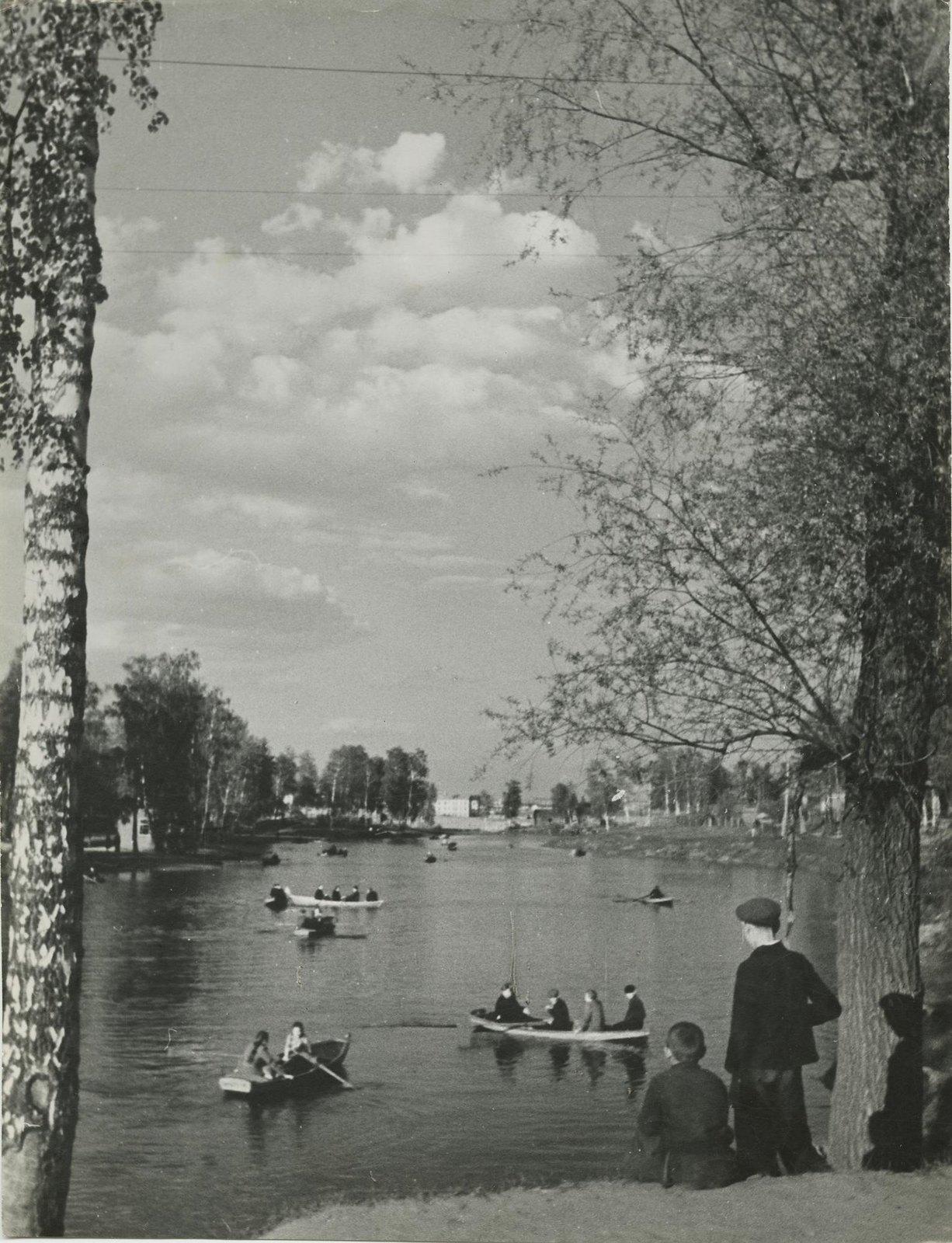 1940. Москва и москвичи. В парке