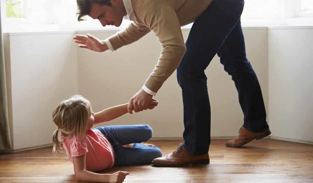 Les parents abusés transmettent des problèmes émotionnels