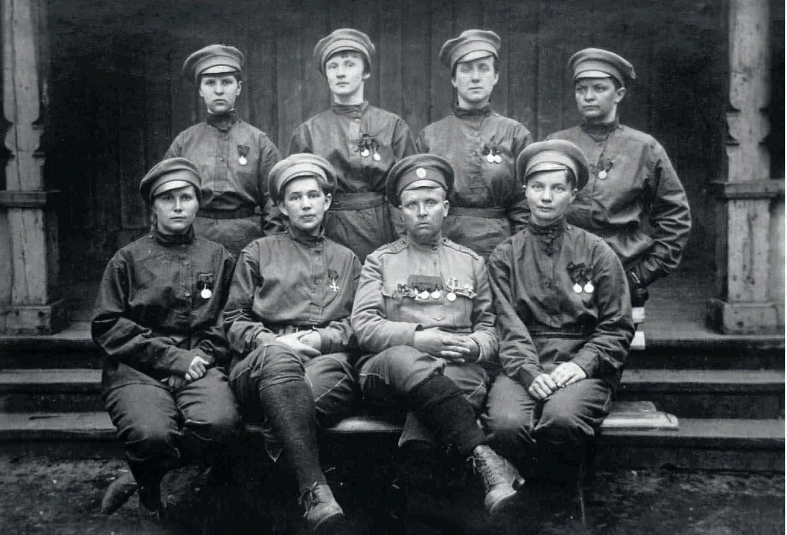 1917. Штаб батальона и его командир Мария Бочкарева