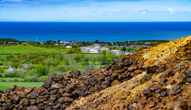 AMLWCH AND THE ISLE OF MAN FROM PARYS MOUNTAIN, MAY 2021.MINOLTA 135mm @f8...08212-3