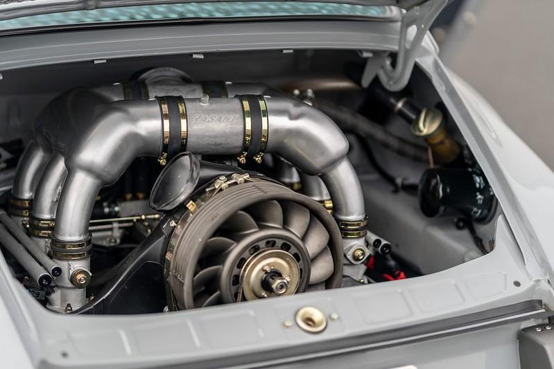 Porsche-911-Restomod-11