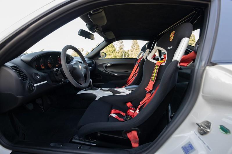 Porsche-911-GT3-RS-13