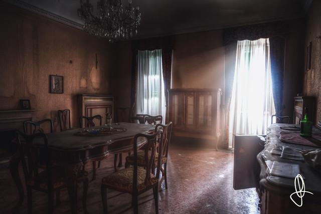 |URBEX| Ex Villa B. - Afteryears edition