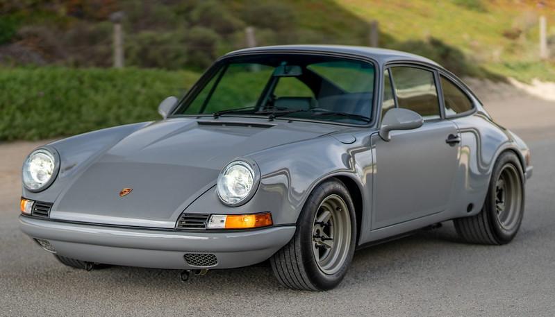 Porsche-911-Restomod-1