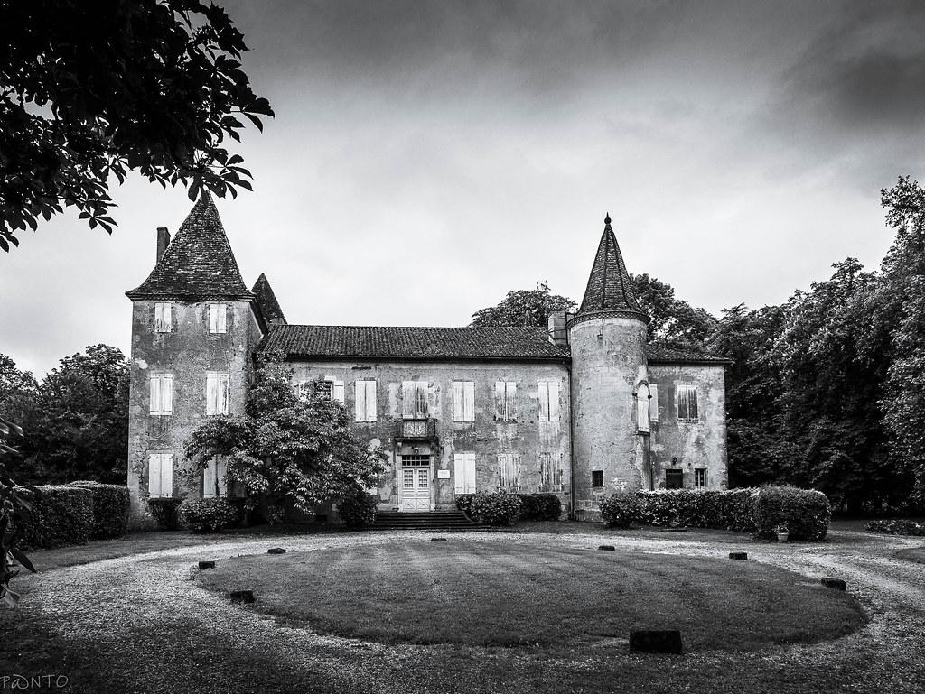 Château de castelmore 51205977945_c1ace79ee8_b