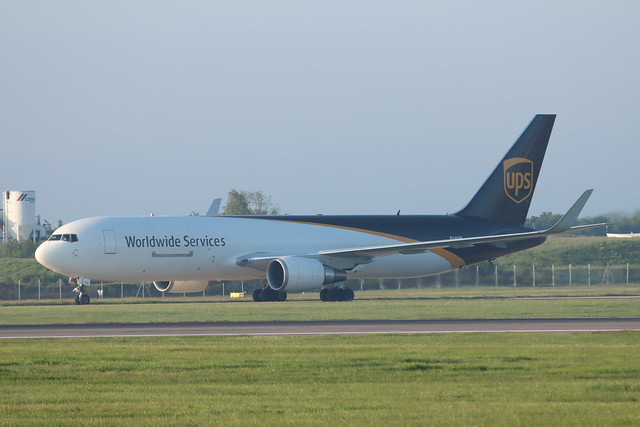 N340UP 767 Stansted