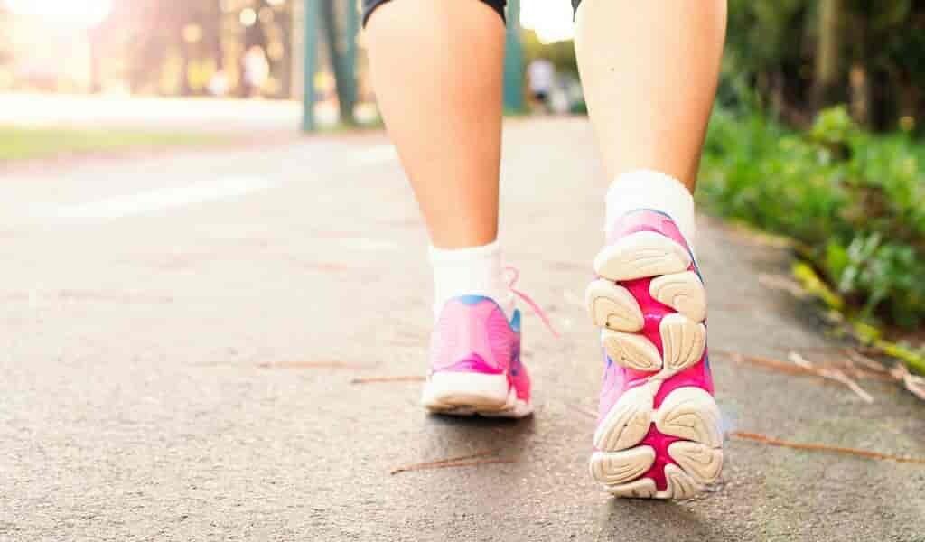 un-exosquelette-réduit-énergie-pour-nécessaire-pour-marcher