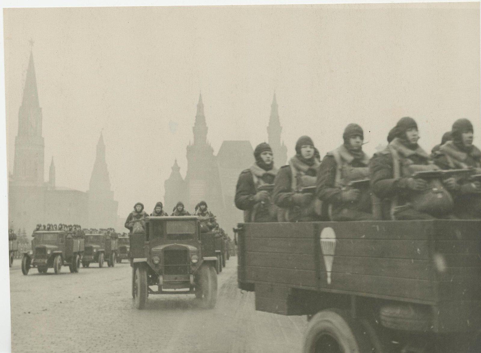 1946-1949. Военный парад на Красной площади