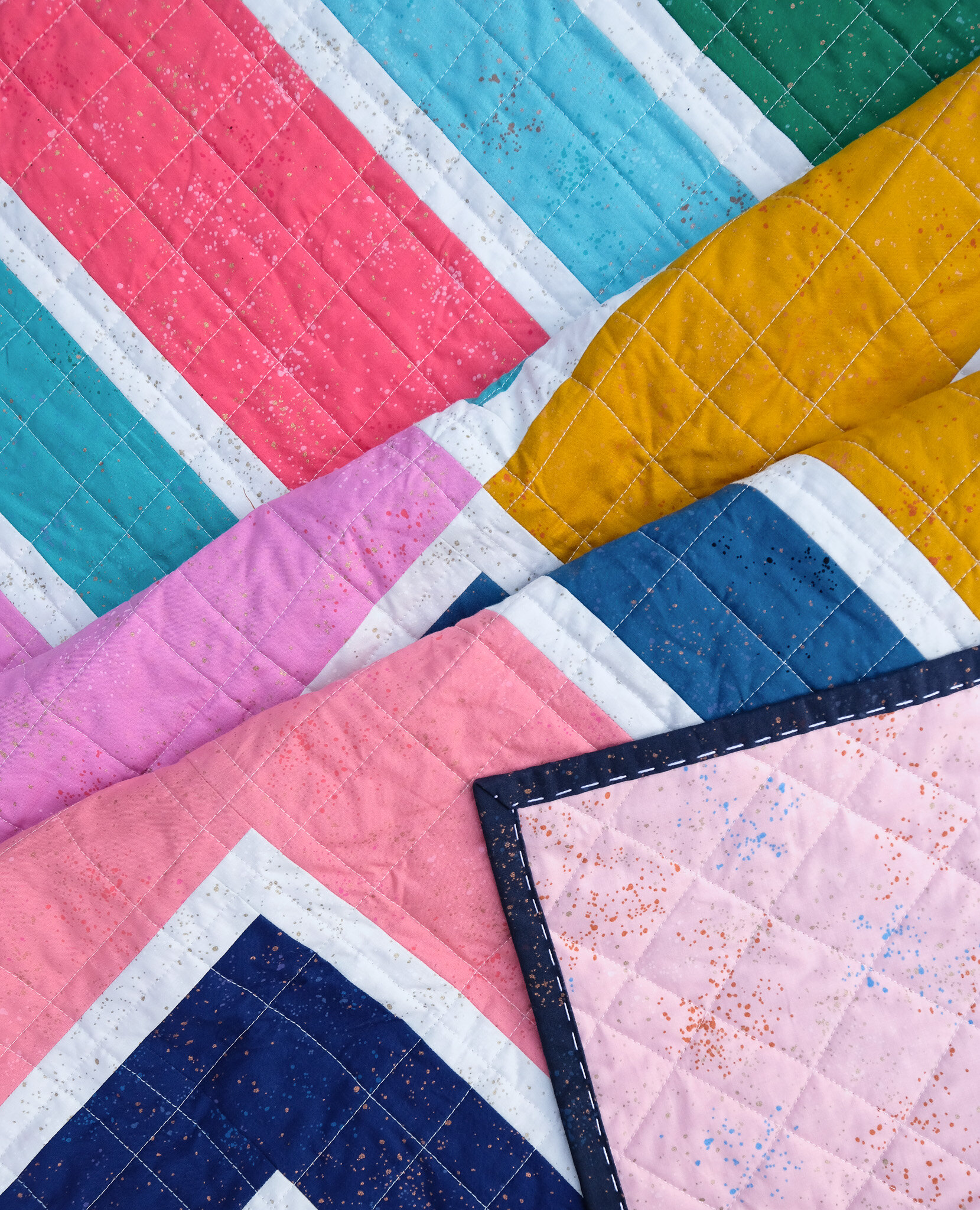 The Sylvie Quilt in Speckled - Kitchen Table Quilting