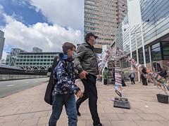 Voor het Paleis van Justitie, waar @milieudefensie gisteren de #KlimaatzaakShell won! . . #StreetPhotography #InPassing #WearAMask #WideAngle #architecture