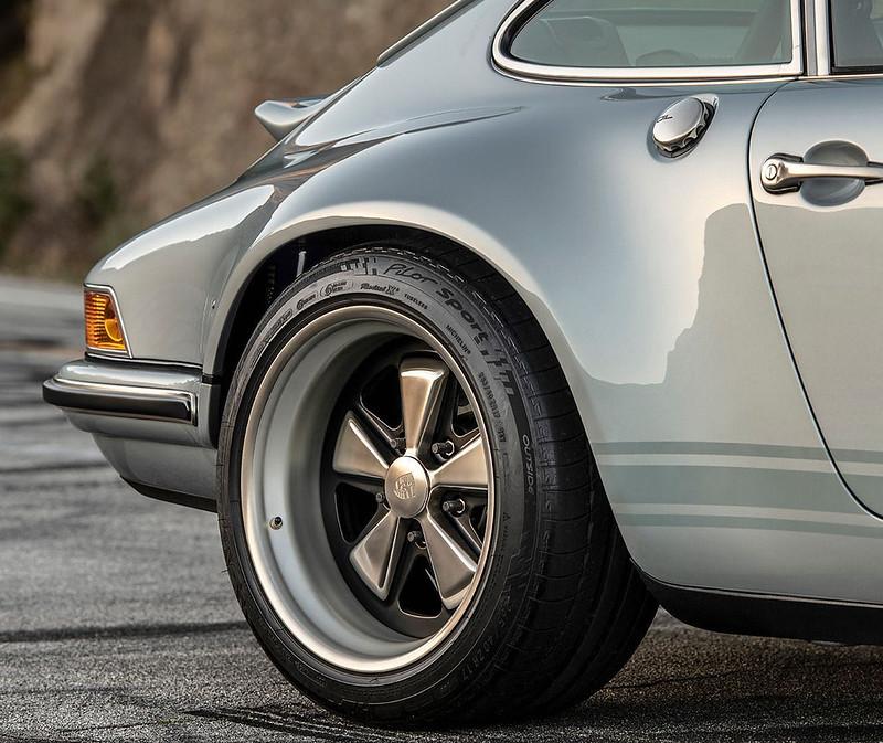 Singer-Porsche-911 (13)