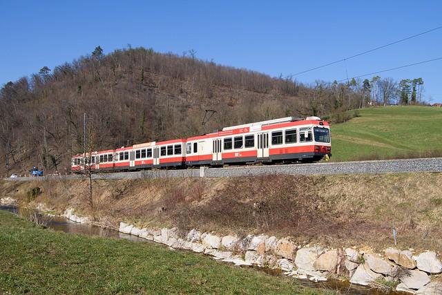 BDe 4/4 13 der Waldenburgerbahn am 06. März 2021 bei Lampenberg Ramlinsburg.