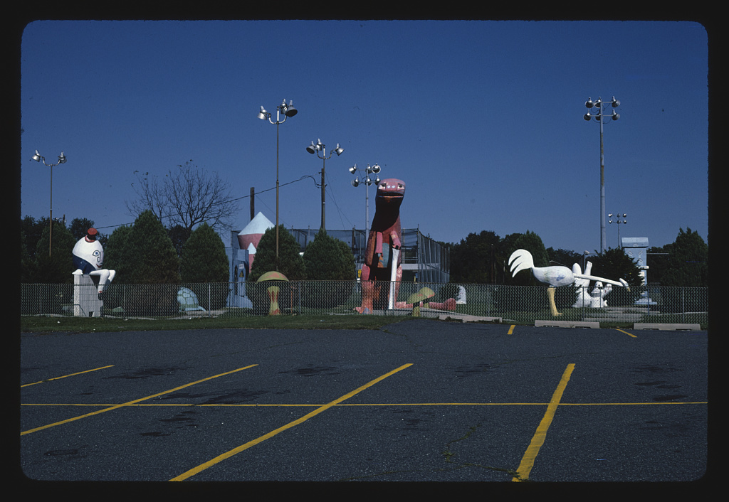 Parking lot view 1, Sir Goony Golf, Route 202 at Spring Lake Rec. Center, Chadds Ford, Pennsylvania (LOC)
