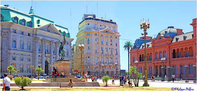 Place Mayo  Banque nationale d' Argentine &Casa Rosada