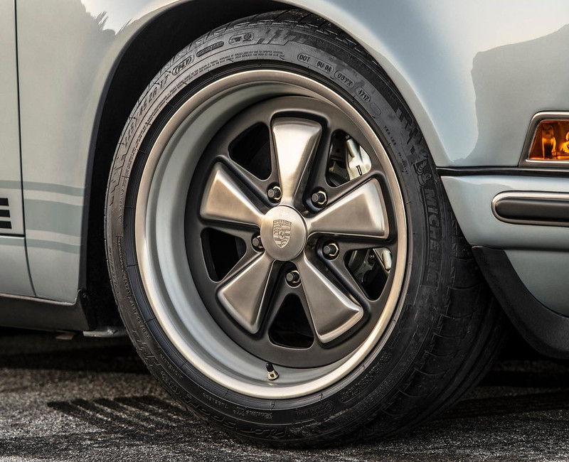 Singer-Porsche-911 (12)