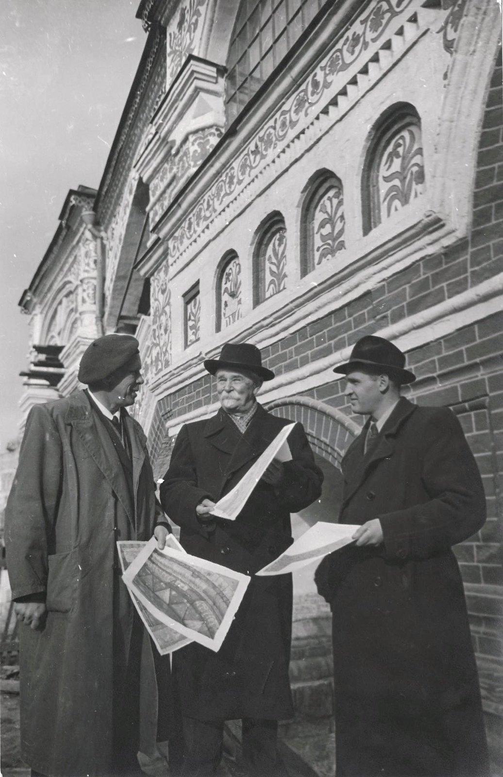 1949-1950. Москва. Реставраторы