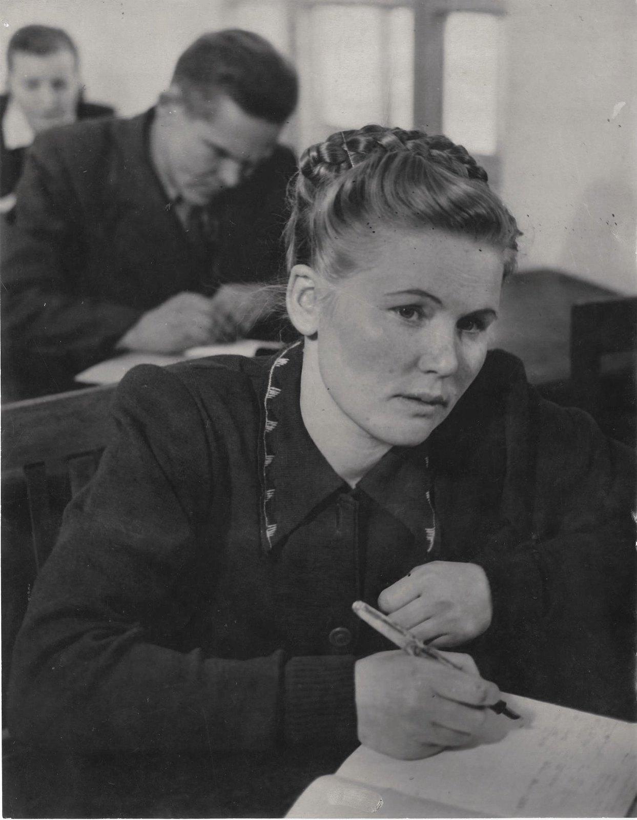 1949-1950. Студенты (школа рабочей молодежи)