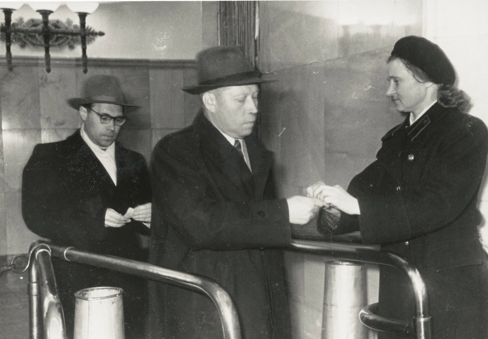1949. Контроль в метро. Механизация трудоемких работ