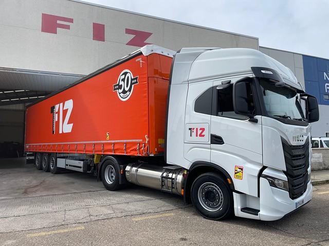 Imagen de uno de los 4 camiones adquiridos por Transportes Emilio Fiz, alimentado por GNL.