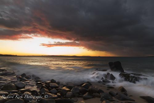 australia queensland noosa beach rocks sunset storm clouds landscape canon seascape