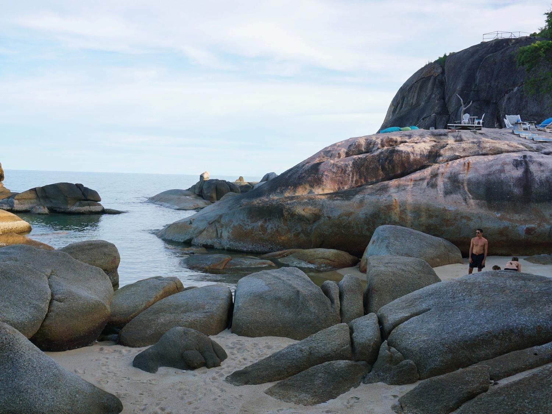 Lamai beach rocks