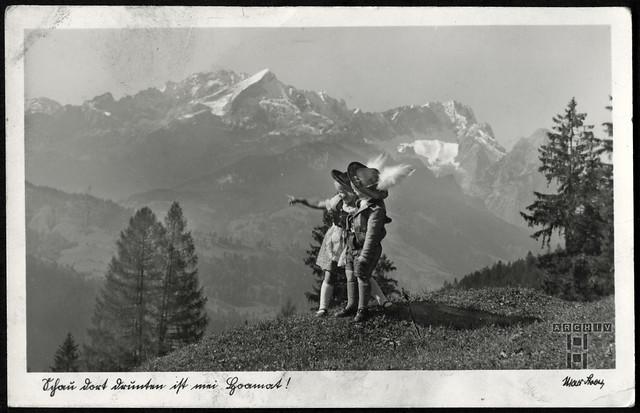 ArchivTappen233A969 Junge und Mädchen, Murnauer Tracht, 1930er