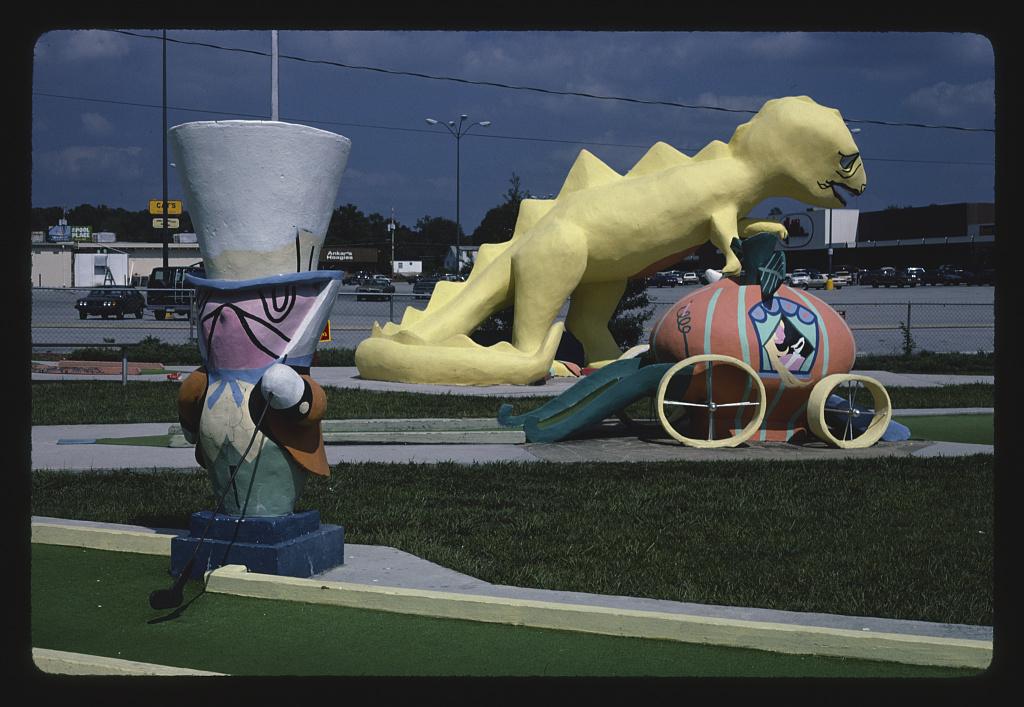 Three hazards (horizontal), Sir Goony Golf, Chattanooga, Tennessee, Chattanooga, Tennessee (LOC)