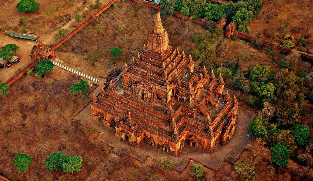 MYANMAR, Burma - Ballonfahrt  früh morgens über das historische Bagan, 78345/13719