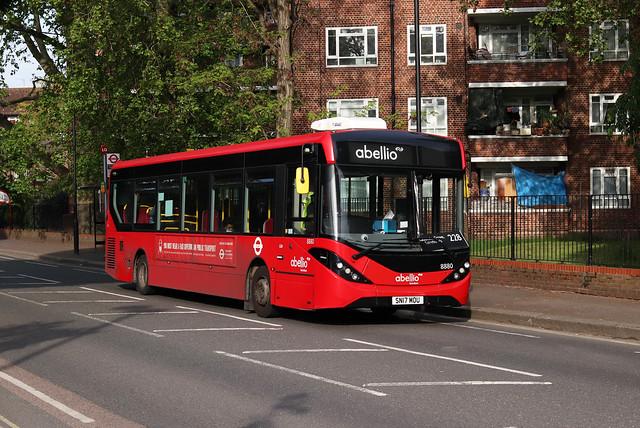 Route 228, Abellio London, 8880, SN17MOU