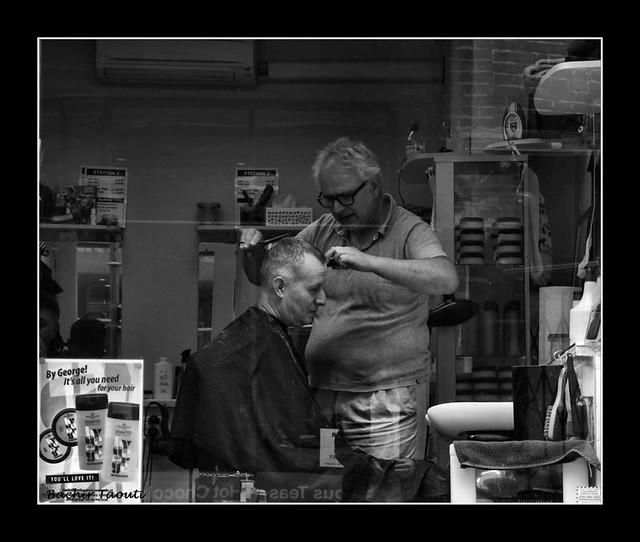 chez le coiffeur -c