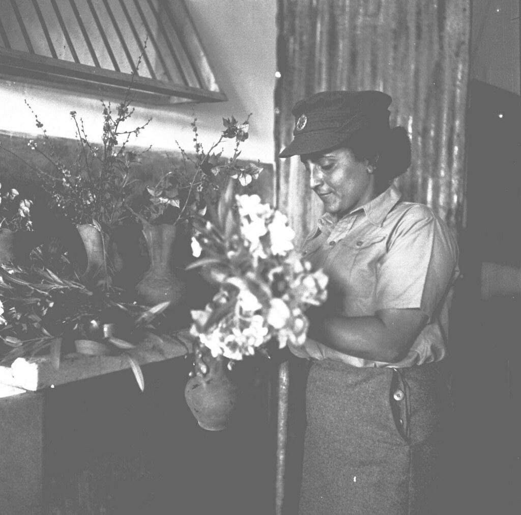 27. 1942. Вспомогательный женский корпус. Военные полицейские