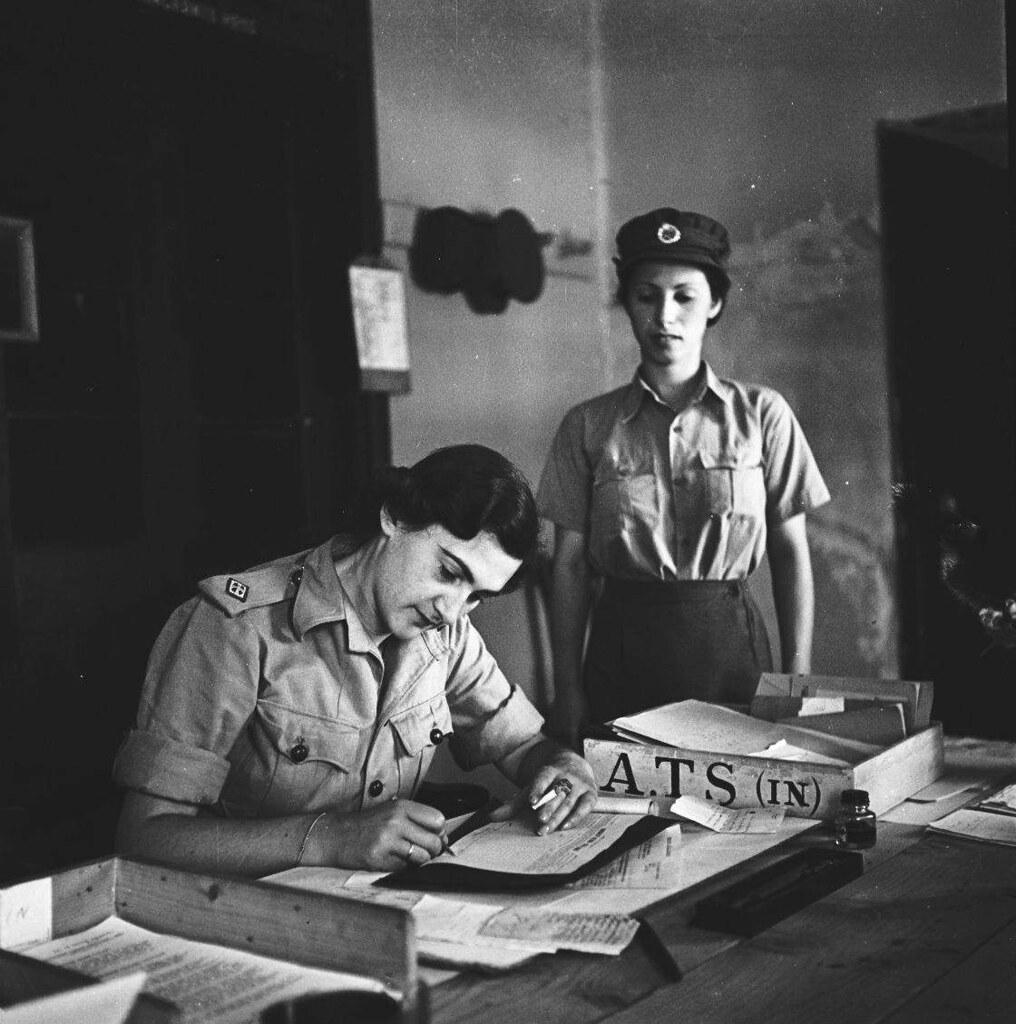 19. 1942. Вспомогательный женский корпус. Координатор больницы