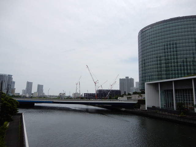 Yokohama under the white sky