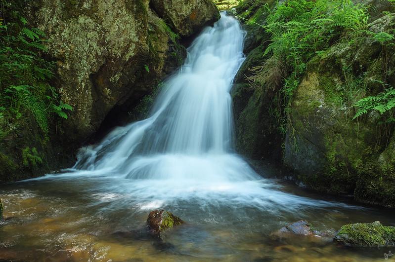 Petite cascade de Tendon