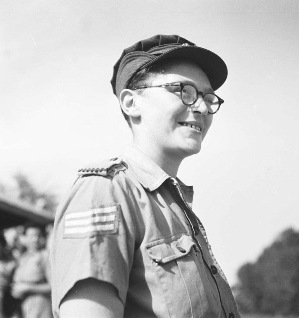 07. 1942. Вспомогательный женский корпус (5)