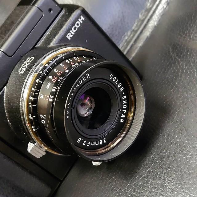 Voigtlander 28mm f3.5 LTM 曰&夜數碼表現